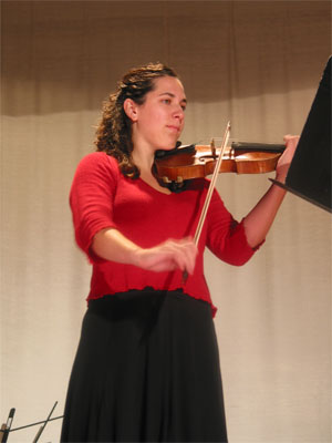 Violinist Laura Geier was accompanied by pianist Angela Leising (not shown)